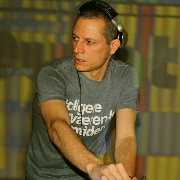 DJ Hopper. Foto: Giovanni Fernandes. Divulgação.