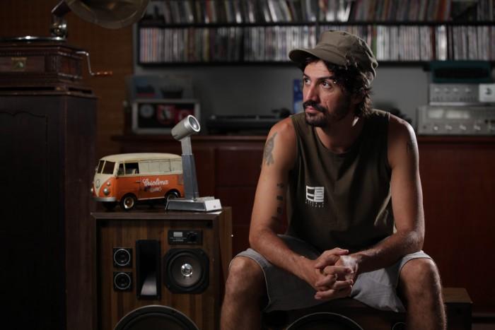 DJ Barata (Criolina). Foto: David Alves Mattos.