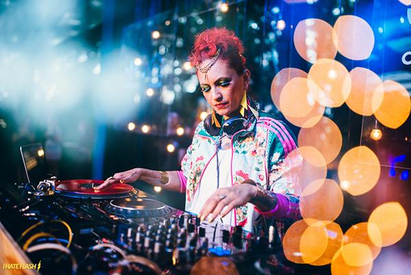 DJ Donna. Foto: I Hate Flash.