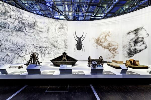 A mostra Leonardo da Vinci: A Natureza da Invenção aterrisa em Brasília.