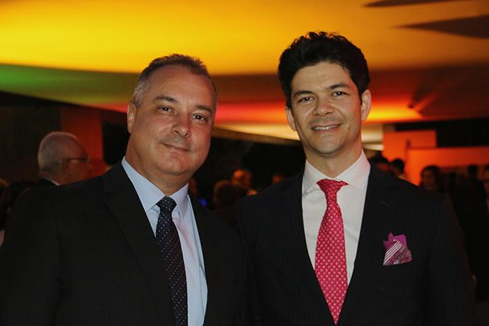O Gerente-Geral do CCBB, Cloves Nogueira e o Assessor da Embaixada do México, Rafael Barceló.