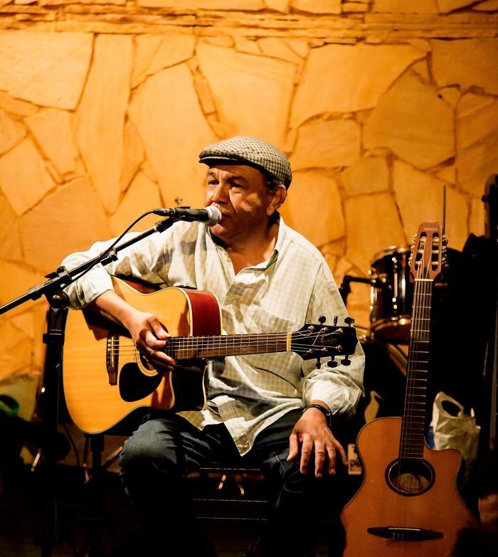 Renato Piau homenageia Luiz Melodia